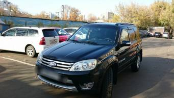 Ford Escape I 2